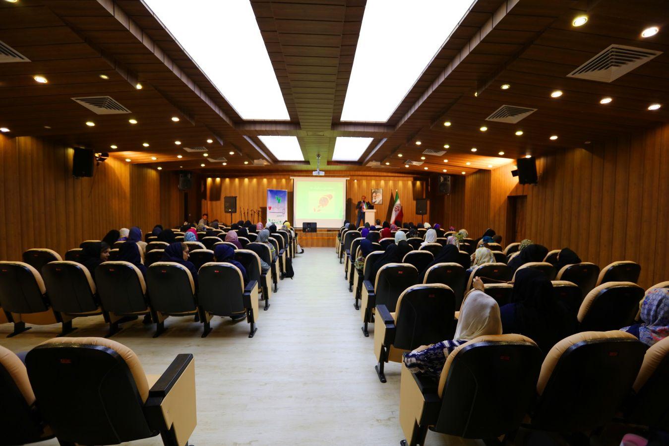 برگزاری سخنرانی در بوستان بهشت مادران با همکاری شهرداری منطقه 3 تهران